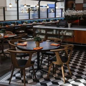 Рестораны, кафе, бары, Европейская кухня - Бенедикт