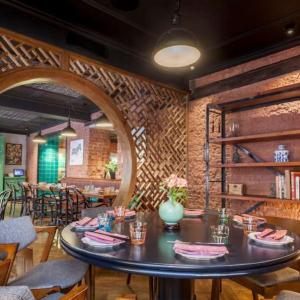 Рестораны, кафе, бары - Джимми Ли