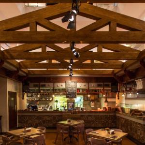 Рестораны, кафе, бары, Средиземноморская кухня - Энди'с Френдс