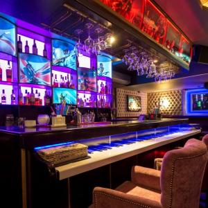 Рестораны, кафе, бары, Восточная кухня - La Club and Karaoke