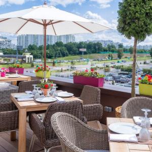 Рестораны, кафе, бары, Европейская кухня - Роуз бар (Крокус Сити Молл)