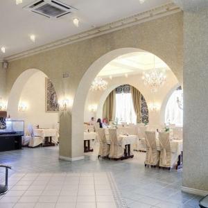 Рестораны, кафе, бары, Славянская кухня - У Эдуарда