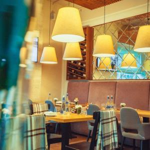 Рестораны, кафе, бары, Европейская кухня - Веллс Хоум