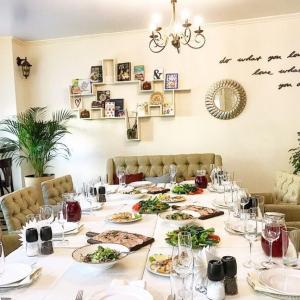 Рестораны, кафе, бары, Европейская кухня - Вкусные радости