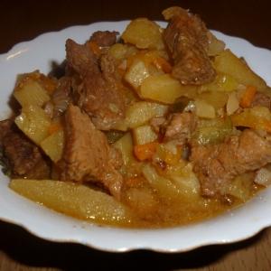 Тушеное мясо - Азу по-татарски в мультиварке