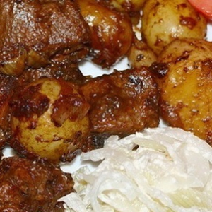 Баранина - Баранина с жареным картофелем в казане