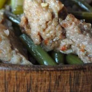 Узбекская кухня - Баранина, тушёная с чесночными стрелками