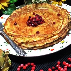 Брусника - Бисквитные блины с брусникой в меду