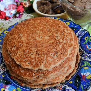 Перец белый - Блины гречневые с соусом и грибами