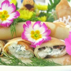 Хрен - Блины с сырной пикантной начинкой и соусом