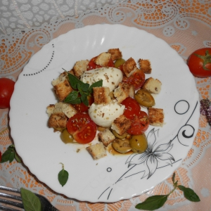 Оливки - Быстрый пикантный салат