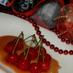 Гвоздика - Черешня в карамельно-барбарисовом сиропе