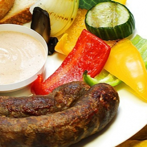 Виски - Домашняя колбаса с соусом Махеевъ