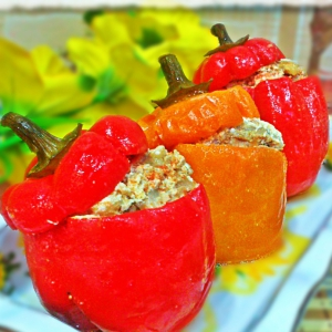 Фаршированные овощи - Фаршированные перцы в томатно-сметанном соусе