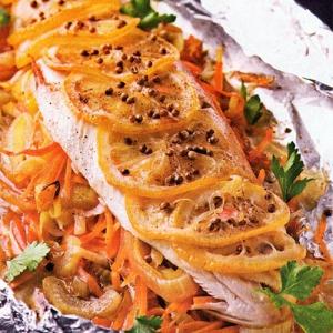 Запеченная рыба - Форель запеченная в фольге с овощами и зеленью