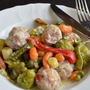 Капуста брюссельская - Фрикадельки с овощами
