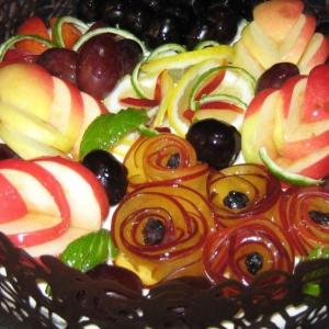 Фрукты - Фруктовый торт с шоколадным кружевом