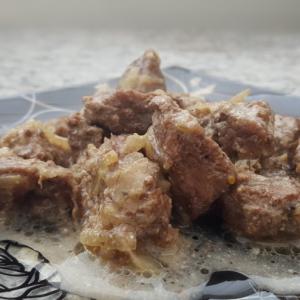 Мясные рецепты - Говядина, тушенная в горшочке