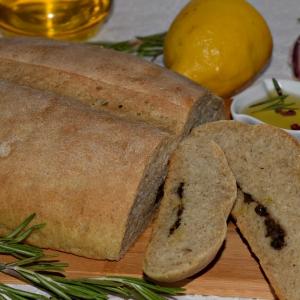 Рецепты для блендера - Хлеб с пастой из оливок