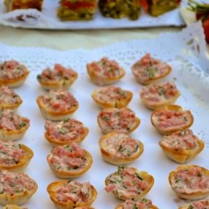 Шнитт-лук - Хлебные корзиночки с томатным конкассе