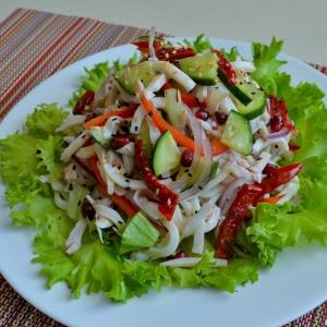 Гранат - Кальмары со свежими овощами