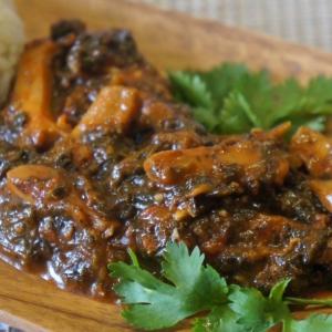 Шпинат - Кальмары в томатно-шпинатном соусе