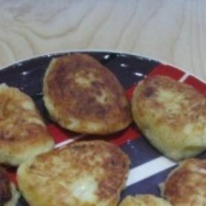 Мускатный орех - Картофельно-капустные котлеты с жареным луком