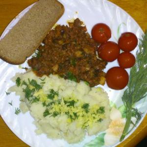 Отварные овощи - Картофельное пюре с тушенкой