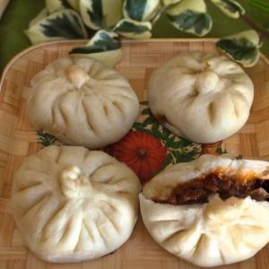 Рецепты азиатской кухни - Китайские паровые пирожки с пряной свининой