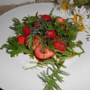 Клубника - Клубнично-горчичный салат