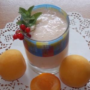 Йогурт - Коктейль с ягодами Свежесть