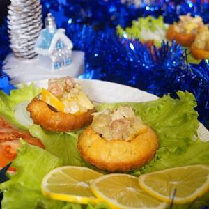 Горбуша - Корзиночки с салатом из красной рыбы