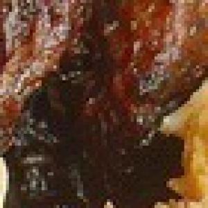 Козлятина - Козлятина с антоновкой и черносливом в казане