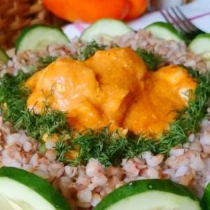 Имбирь - Курица в ароматном соусе с гречкой