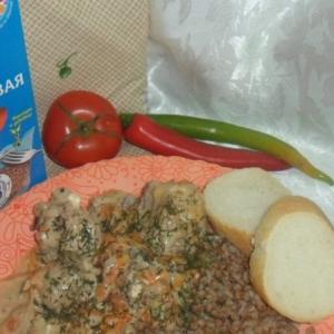 Тушеные грибы - Курица в сырном соусе с гречкой