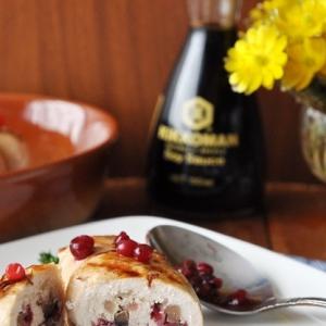 Красная смородина - Куриные рулетики с брусникой и грибами