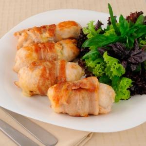Овощные рецепты - Куриные рулетики с грибами и сыром в сметанном соусе