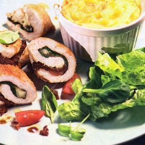 Рецепты из мяса птицы - Куриные рулетики с вялеными томатами и моцареллой