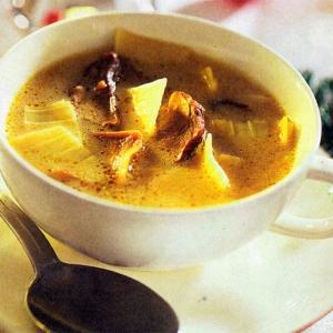 Рецепты супов - Куриный суп с яблоками