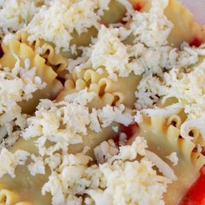 Лазанья-рулоны с начинкой из цукини с сыром