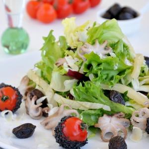 Осьминог - Легкий салат с морепродуктами
