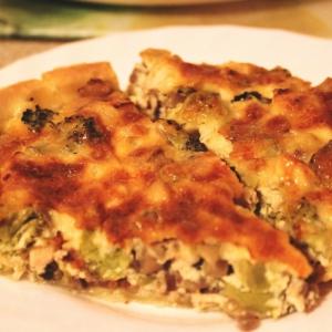 Брокколи - Лоранский пирог с курицей, грибами и брокколи