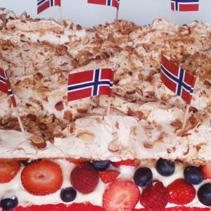 Рецепты скандинавской кухни - Лучший торт в мире с ягодами