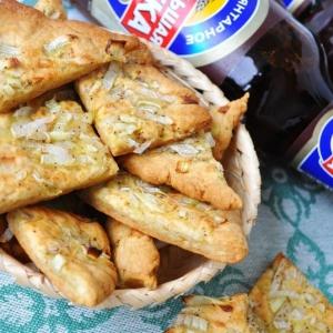 Рецепты еврейской кухни - Луковое печенье с черным перцем
