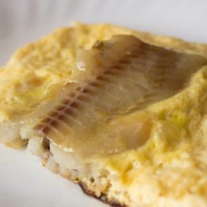 Масло сливочное - Минтай в омлете