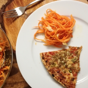 Масло оливковое - Морковный салат с яблоком и кунжутом