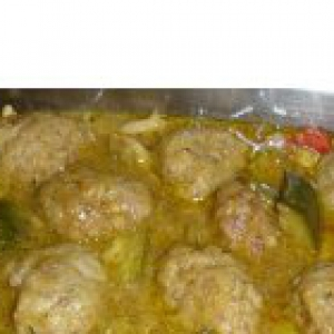 Мидия - Мясные тефтели, тушенные с овощами и сепией