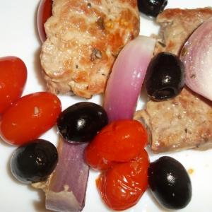 Мясо - Мясо с маслинами и помидорами черри