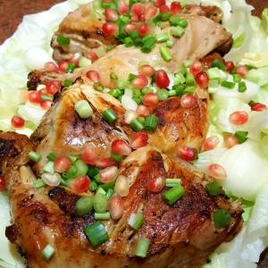 Лук зеленый - Окорочка цыплёнка в шашлычном маринаде