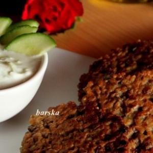 Чечевица - Оладьи из чечевицы и булгура с йогуртовым соусом